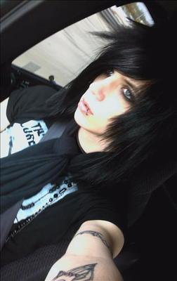 Andy changed his hair a bit, ;D